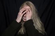 retrahere hache retrato portrait helena sanchez Hanna Kilpinen