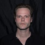 retrahere hache retrato portrait helena sanchez Niels Pugholm
